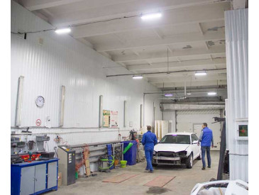 Промышленные светильники в автосервисе «Автоплюс»
